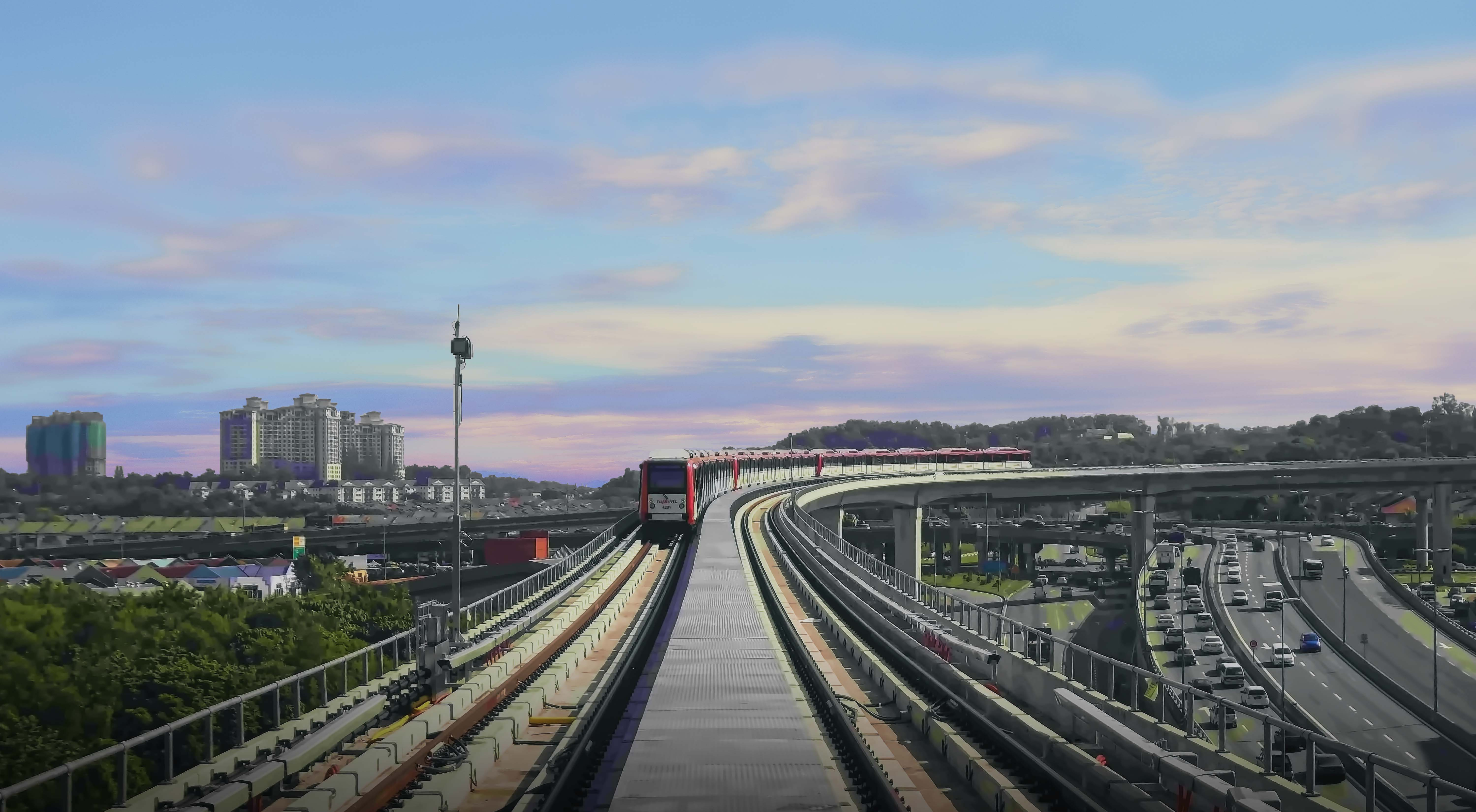 Train-Arriving-300-dpi_1
